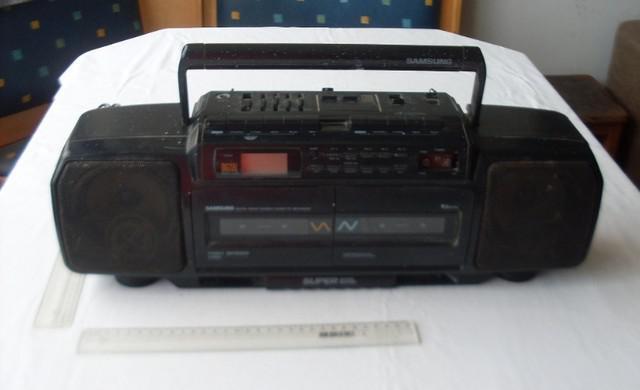 Com defeito - antigo rádio toca fitas am fm portátil -