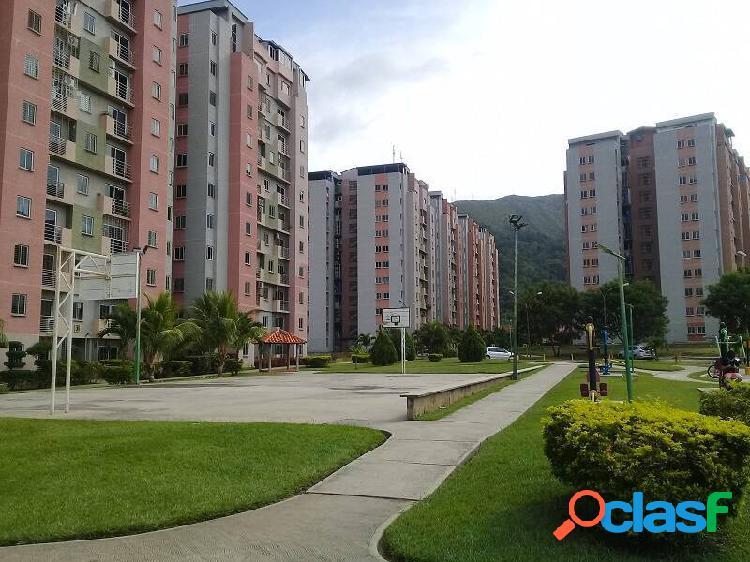 Apartamento en venta en monte mayor amoblado de 79m2 piso bajo