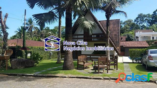 Linda casa mobiliada em condomínio de luxo em massaguaçu - caraguatatuba/sp