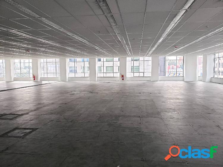 Região da Berrini - Padrão Corporativo - 864 m²
