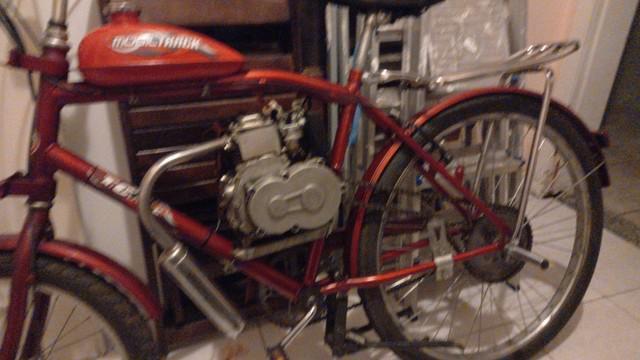 Bicicleta motorizada 49cc, motor 4 tempos cargo.