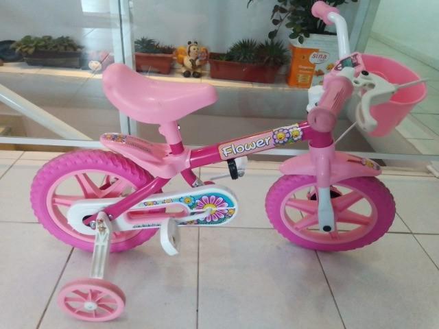 Bicicleta aro 12 - infantil feminina - flower - praticamente