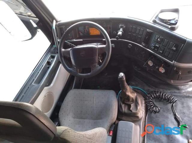 Caminhão Volvo FH 420 bom 4