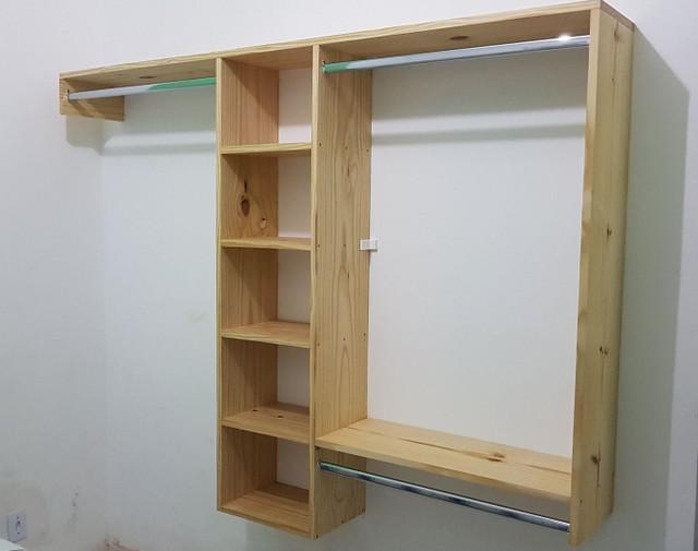 Closet de parede, madeira maciça pinus. somos fabricantes