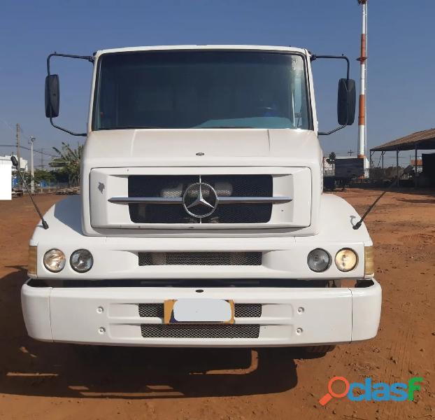 Caminhão Mercedes 1620 trucado