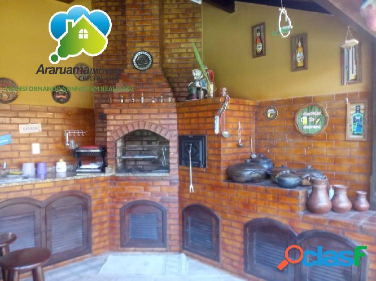 Casa impecável com 3 quartos (2 suítes) em bairro nobre da cidade!