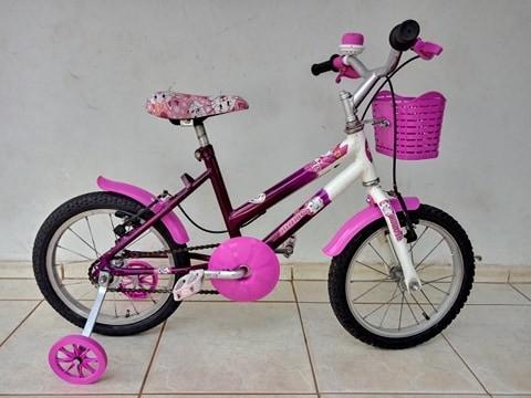 Bicicleta infantil feminina aro 16. ótimo estado. só pegar