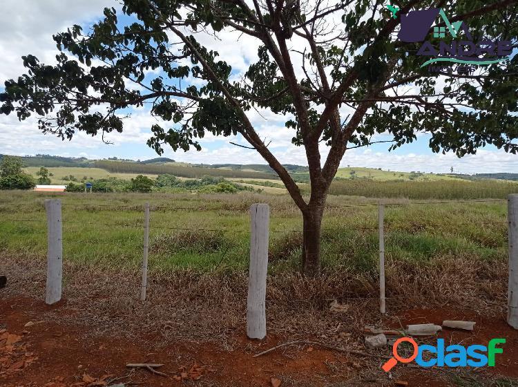 Fazenda, 40 alqueires, na região rural de paranapanema/sp.