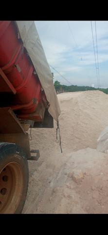 Vendo cacamba de areia, gravilhao, brita, terra vegetal
