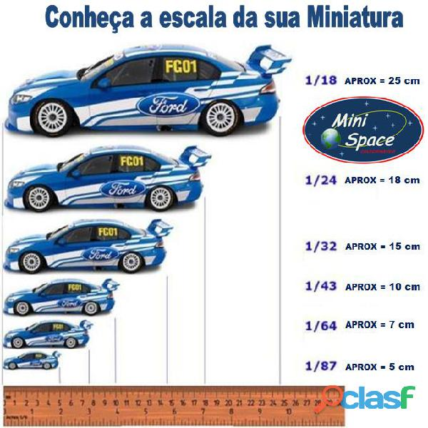 Auto World 2011 Corvette Z06 azul Gulf Oil Racer 1/64 9