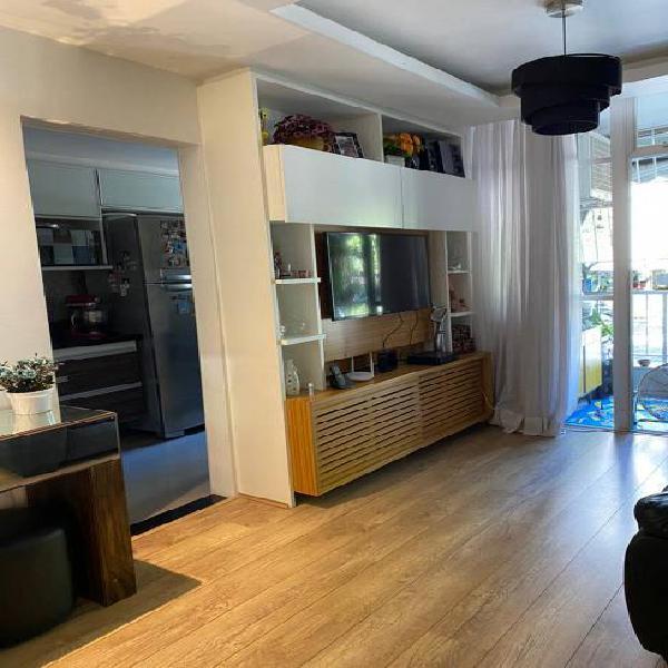 Condomínio solar do barão. excelente apartamento.