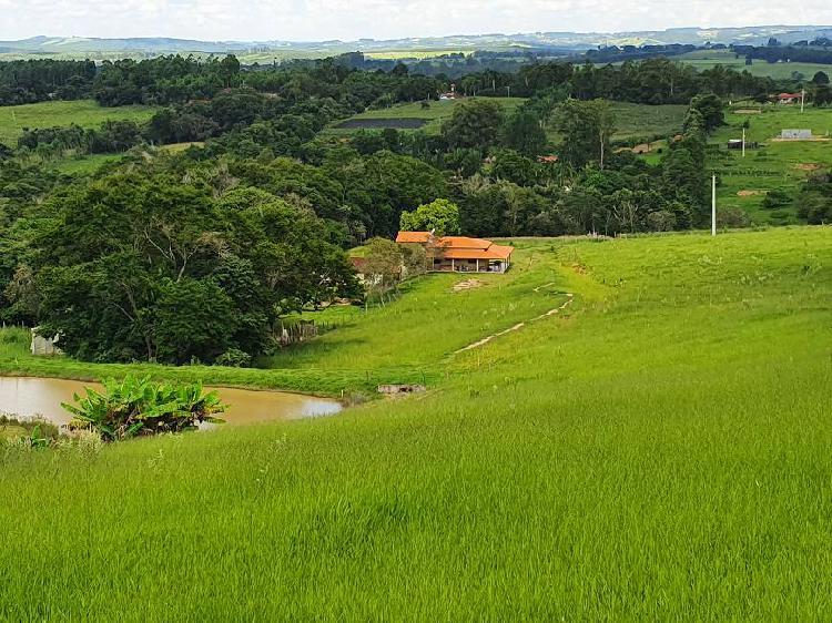 Sitio 30000 vista espetacular c/ 3 casas, lazer completo e