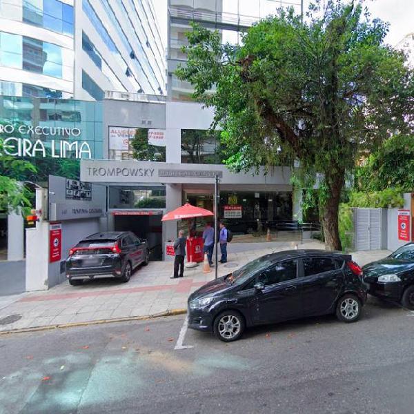 Vendo estrututa clinica medico/odontologica 110 m2 centro