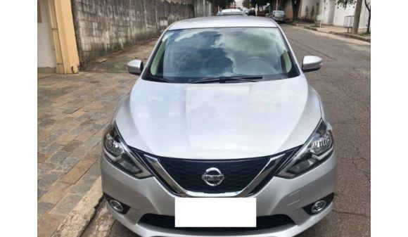 Nissan sentra 2.0 sv 2.0 flexstart 16v aut. 17/18 prata