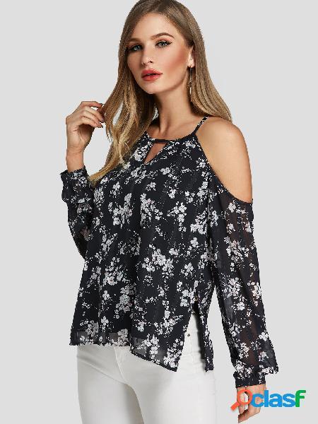 Blusa de ombro frio com estampa floral preta recortada aleatória