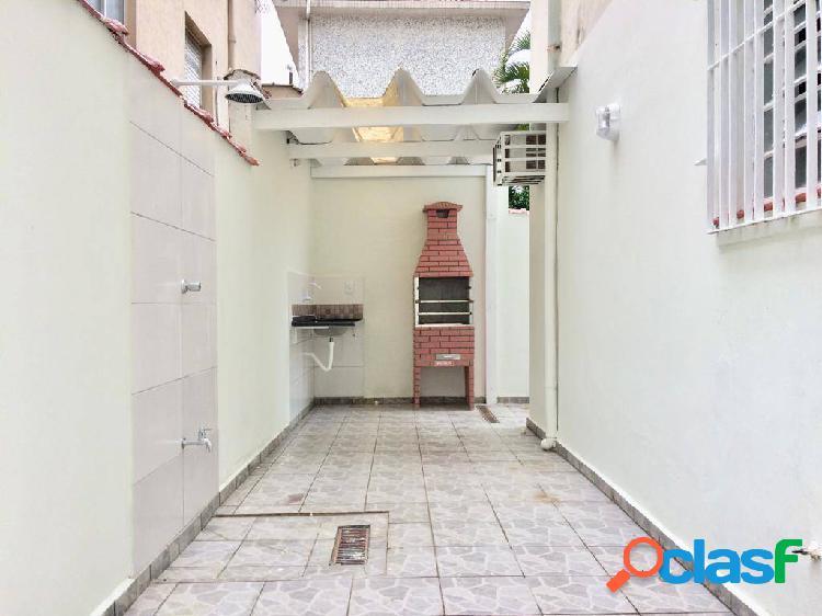 Apartamento de 2 dormitórios em Santos no Embaré no térreo.